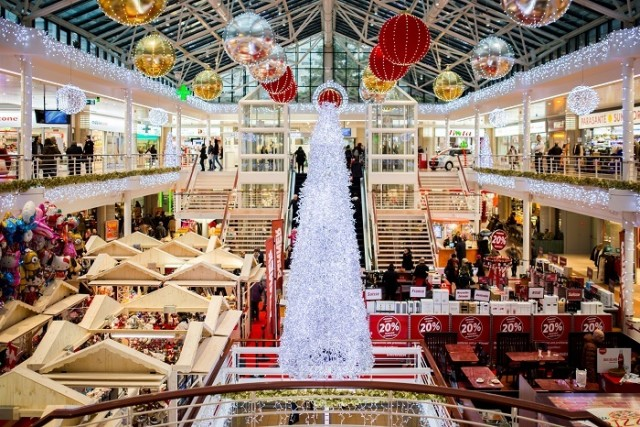 Image for article: Have You Ever Wondered How The Malls Are Being Dressed Up Before The Holidays?